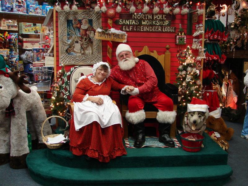 fun ways to see santa throughout america north pole santa and alaska - Santa At The North Pole